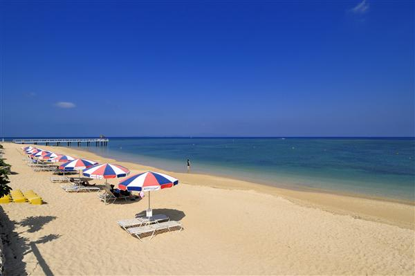 夕日スポットとしても最高のロケーションを誇るフサキビーチ