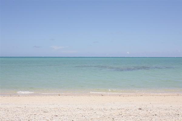 百名ビーチにはどこか神聖な雰囲気が漂っている。