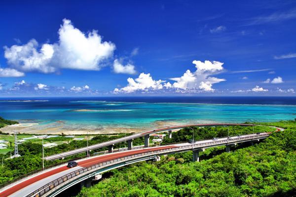 まったりとレンタカーで沖縄ドライブ旅を!